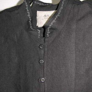 Koszula czarna ,zapinana na pętelki, mankiet marszczony.-0