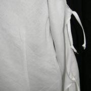 Bluzka biała z rękawami wiązanymi.-671