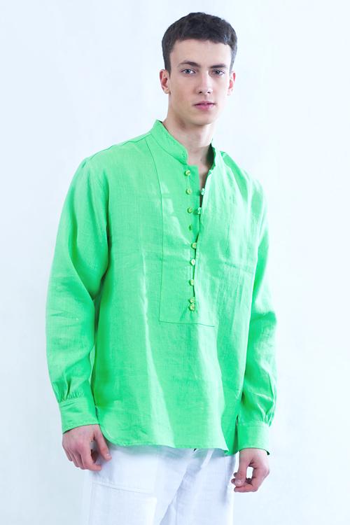 Koszula zielona , zapinana na pętelki, tył marszczony.-787