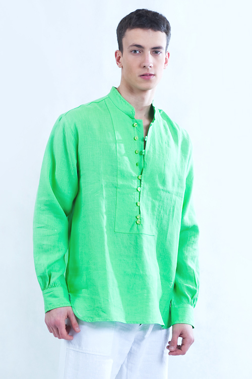 Koszula zielona , zapinana na pętelki, tył marszczony.-0