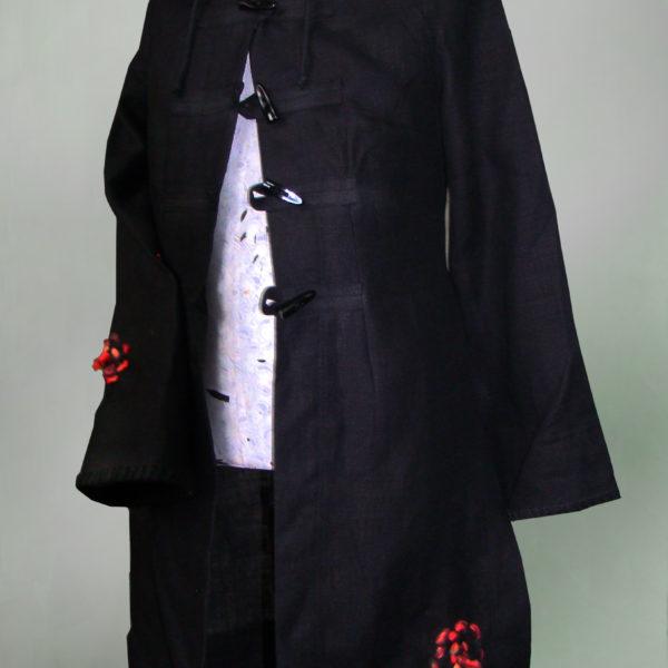 Płaszcz czarny z kapturem.-0