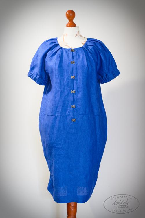 Sukienka chabrowa, zapinana na haftki, rękawy na gumkach.-0