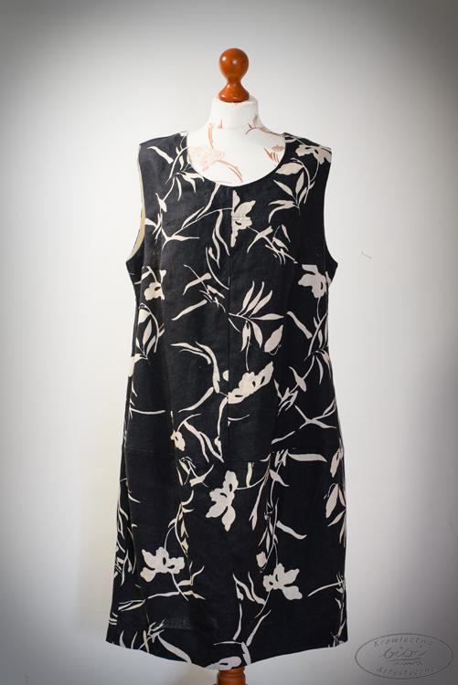 Sukienka czarna w kwiaty naturalne.-0
