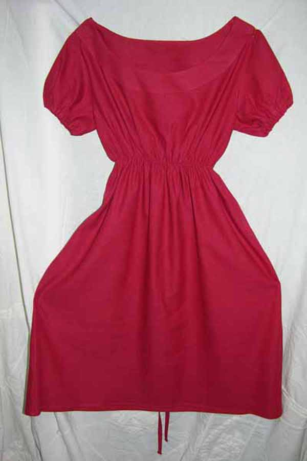 Sukienka czerwona z krótkim rękawkiem.-686
